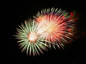 fireworks-227383_1280-400x300